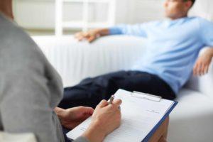 psychological consultation PTKVSWG 300x200 - La importancia de no retrasar en el tiempo nuestra terapia psicológica